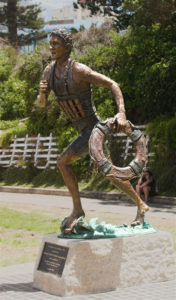 """""""Lifesaver in 1908"""" Cast bronze, 3m high Commemorates 100 years of lifesaving in Wollongong. Nth Wollongong Beach"""